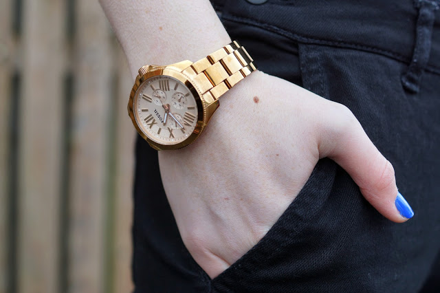 Hello Freckles Dungarees Casual Outfit Fossil Rose Gold Watch